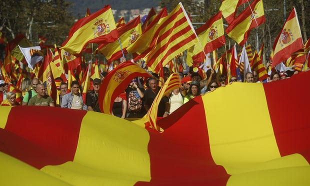 Spain: thousands join Barcelona rally against Catalan independence