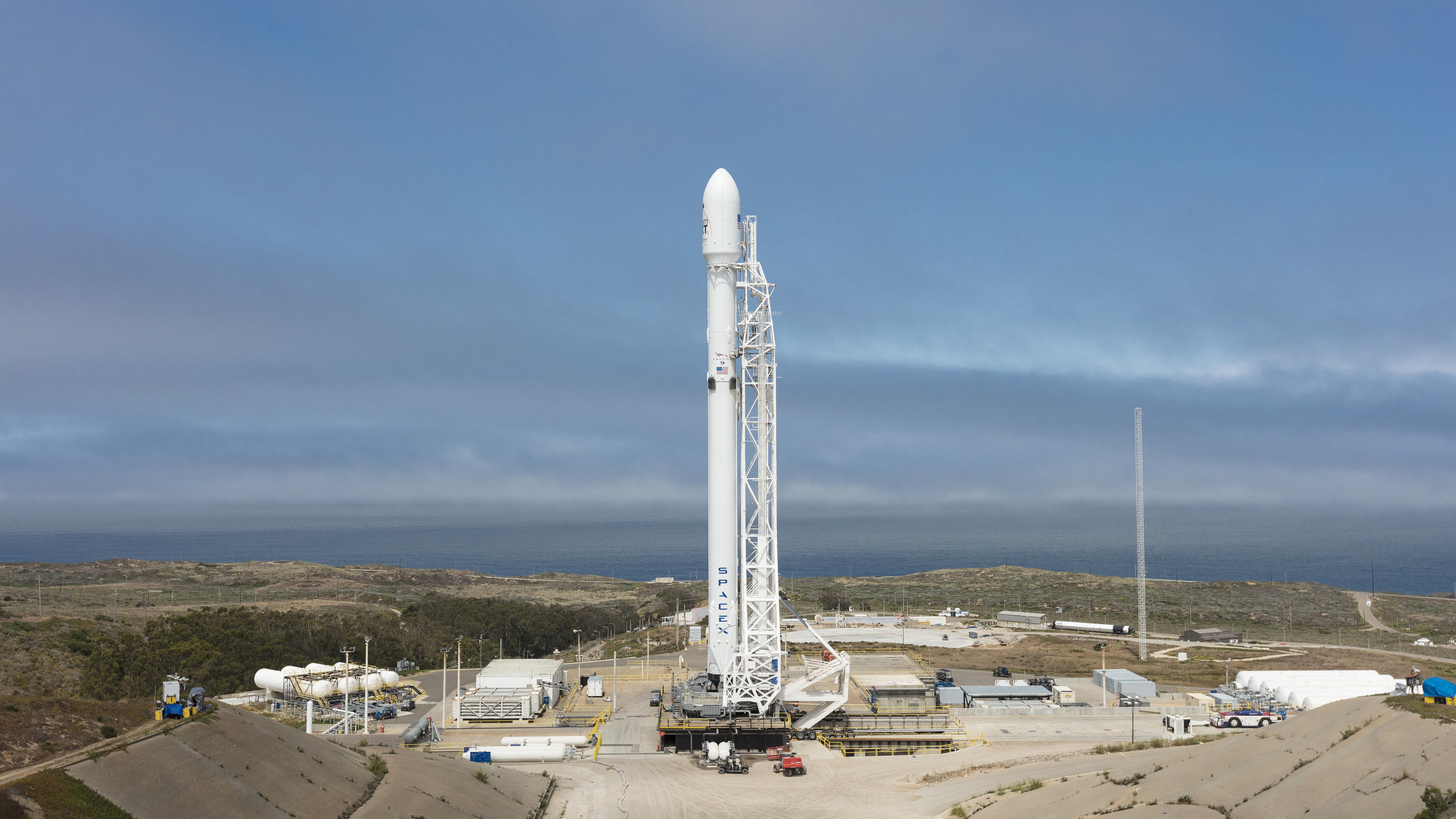 SpaceX Rocket to Launch 10 Satellites Early Monday: How to Watch Live - Space.com