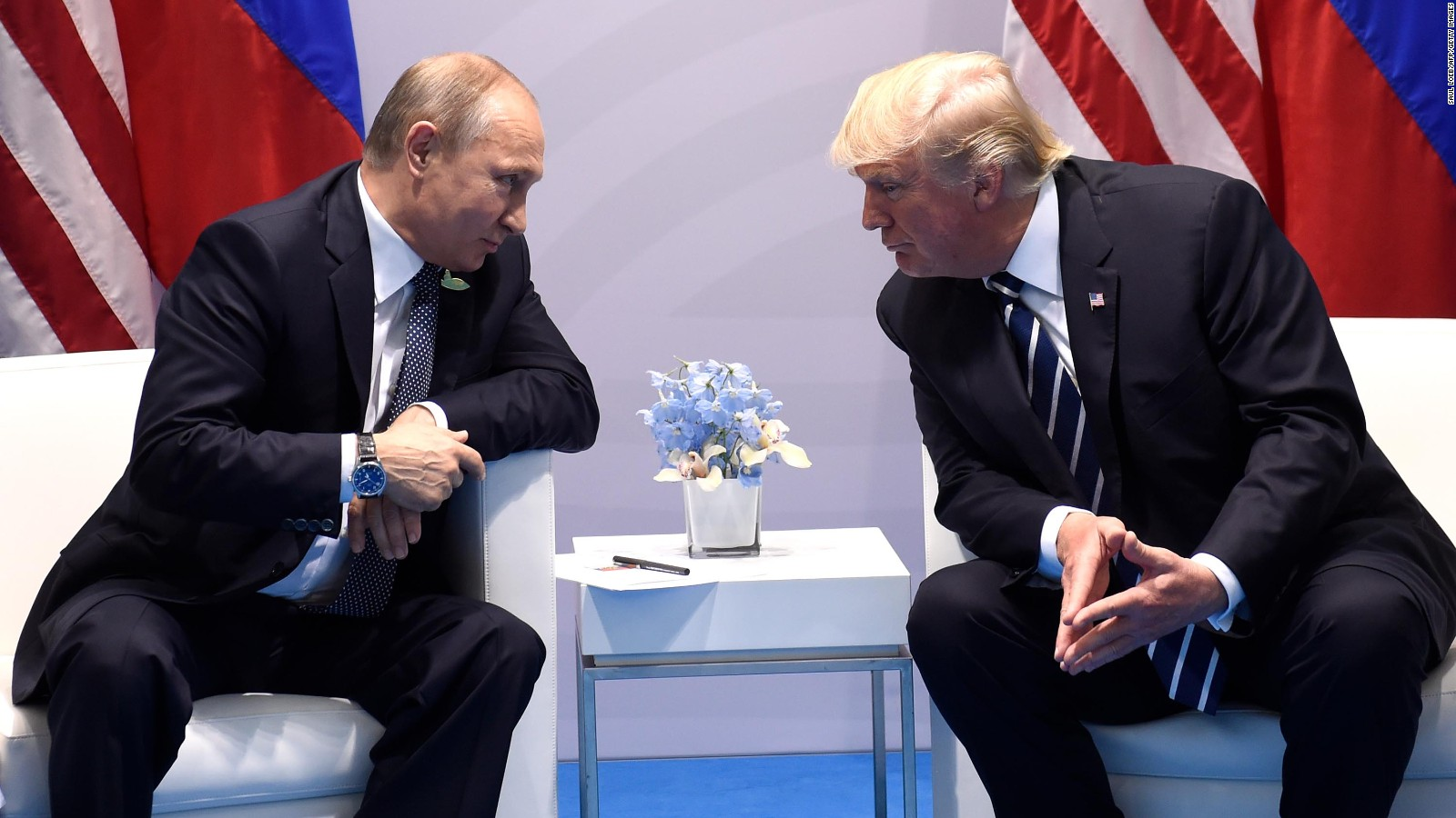 Trump, Putin briefly talk during opening photo at Asia-Pacific summit