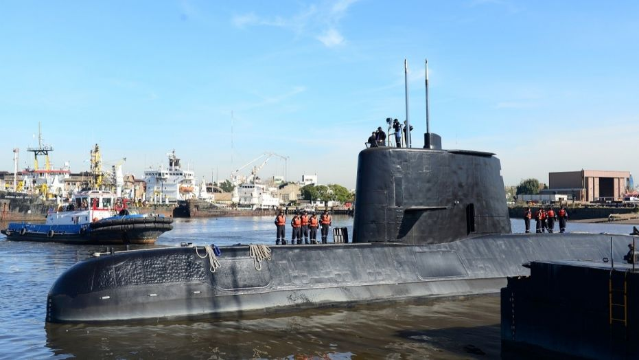 Signals may be from missing sub, Argentinas navy says