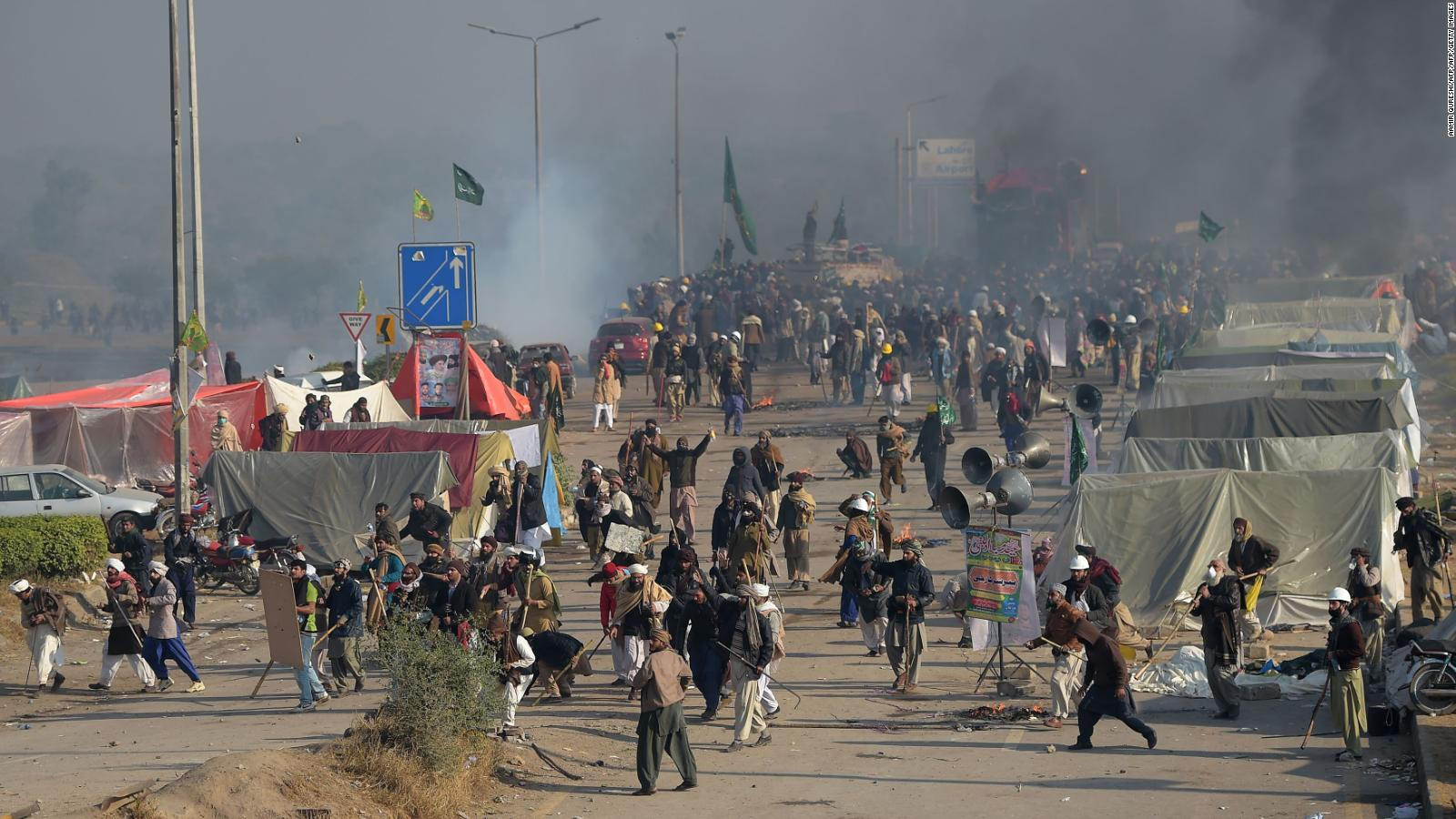 2 dead, 250+ injured in Pakistan as police try to clear massive protests