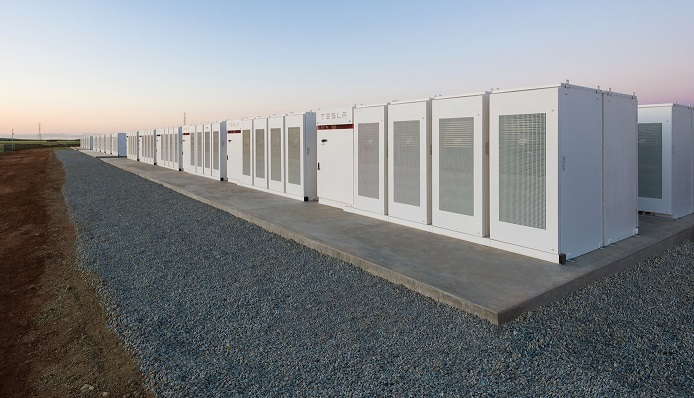 Tesla just switched on the worlds biggest lithium-ion battery in Australia