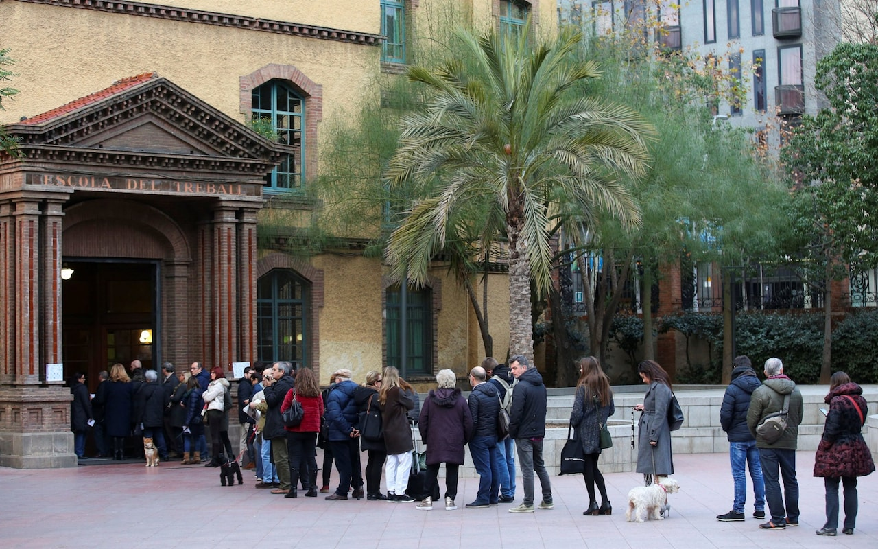 Catalan Election: Catalans go to the polls amid independence crisis