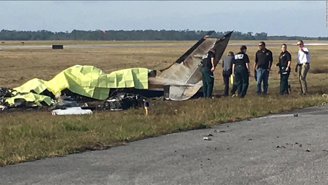 Several people killed in Christmas Eve plane crash in Florida