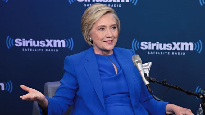 Clinton: White House private emails height of hypocrisy