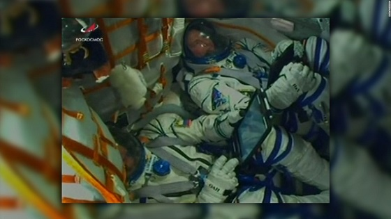Astronauts survive Soyuz rocket emergency landing