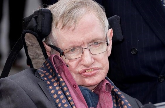 Stephen Hawking feared race of superhumans able to manipulate their own DNA