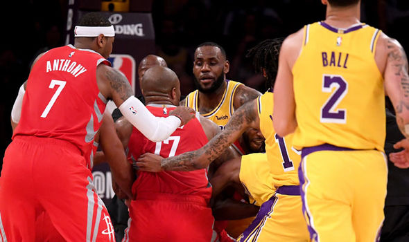 Lakers FIGHT: LeBron James responds to Rajon Rondo and Chris Paul throwing punches