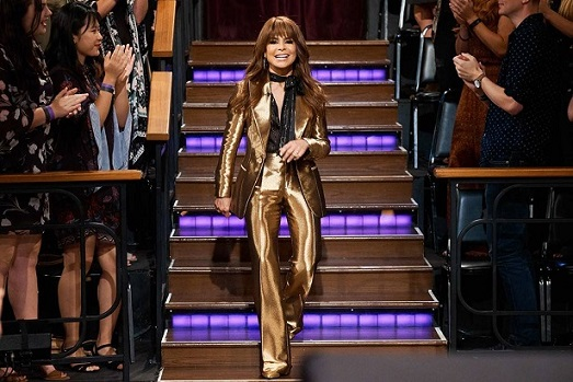Ouch! Paula Abdul Falls Offstage During Mississippi Concert