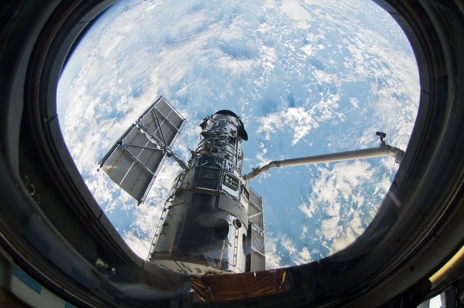 NASAs Hubble Space Telescope is offline after a steering component failed