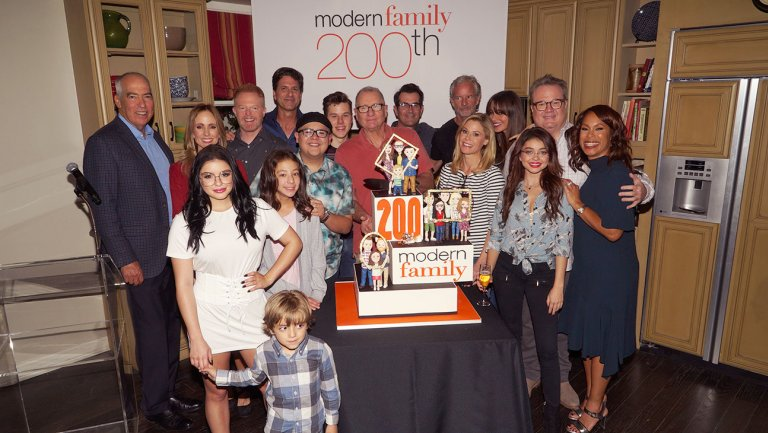 As Modern Family Hits 200 Episodes, Creators Plot the End (and Maybe a Spinoff)