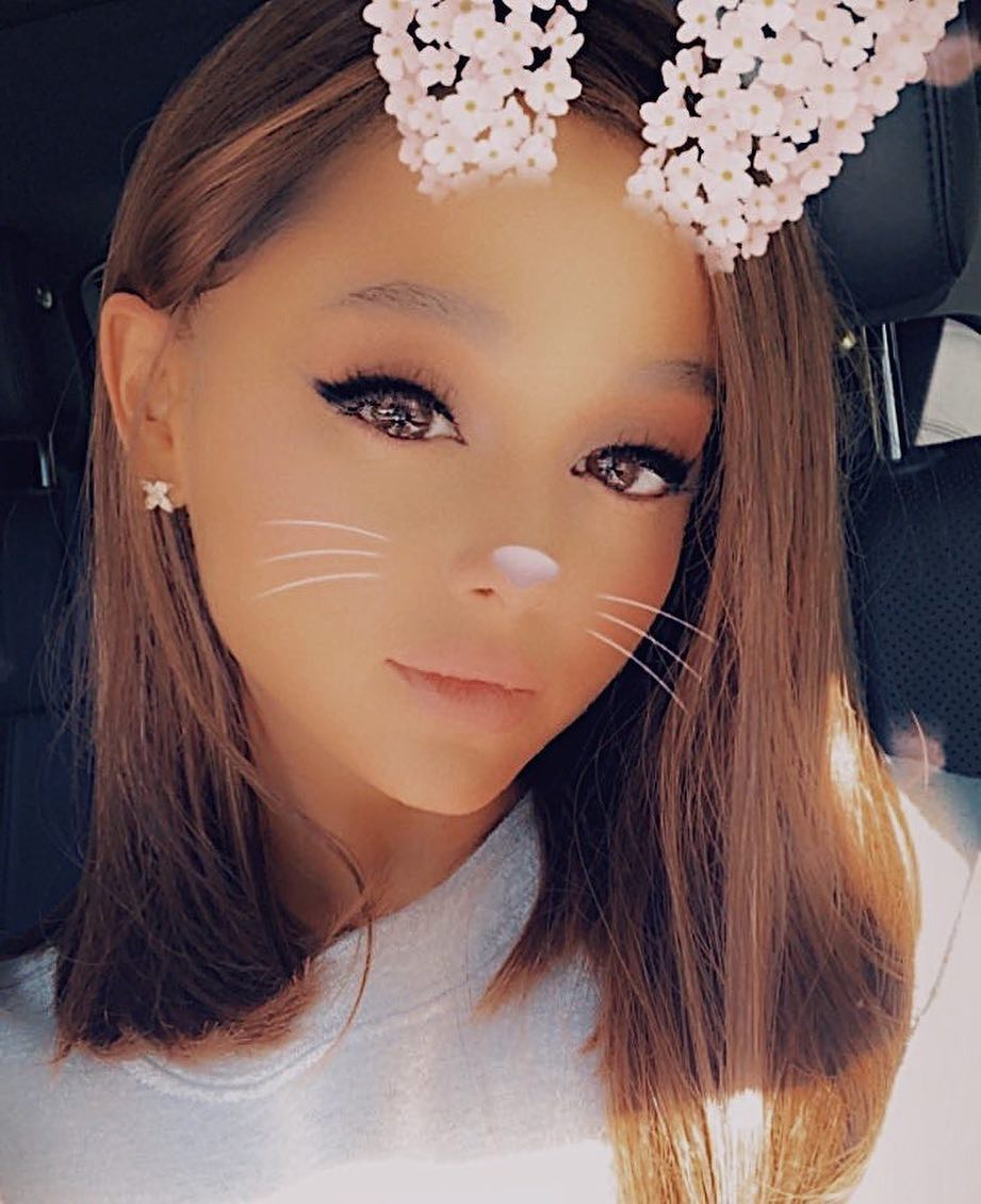 Ariana Grande debuts a new look and people have a lot of opinions about it