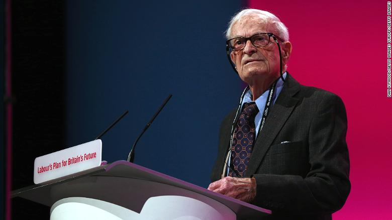 Harry Leslie Smith, WWII veteran and activist, dies at 95