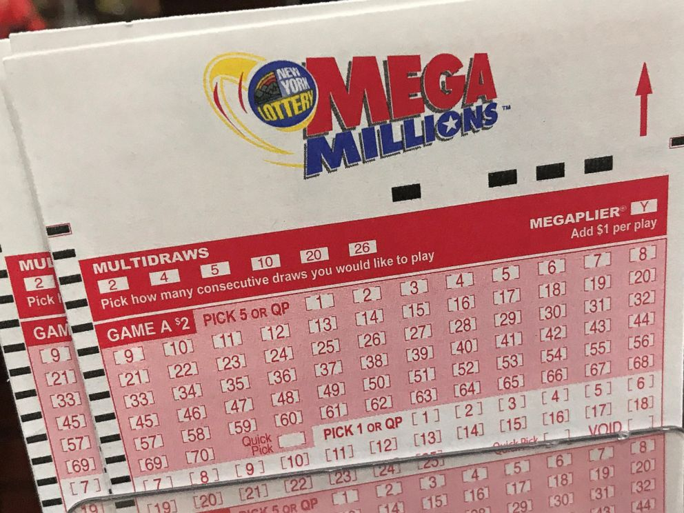 20-year-old Florida man claims $450 million lottery jackpot