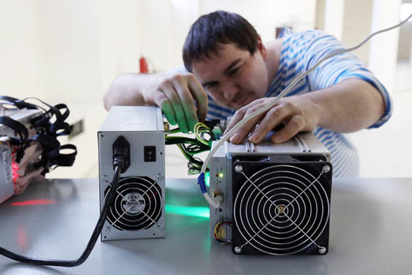 How to mine bitcoin: A guide to bitcoin mining at home - Could YOU become a bitcoin miner?