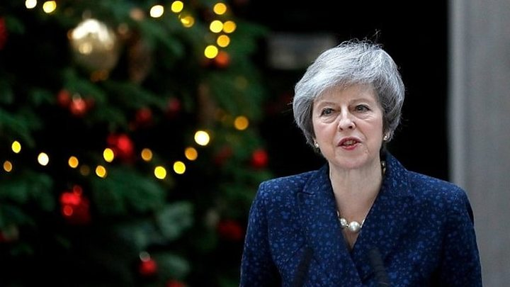 May could offer to stand down before election to win support in confidence vote