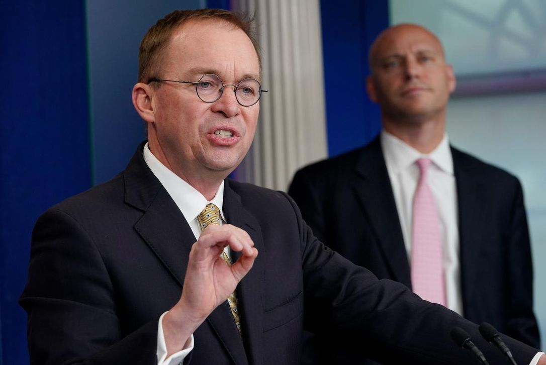Trump names budget director Mick Mulvaney acting chief of staff