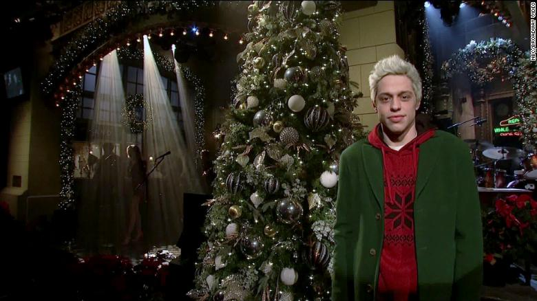 Pete Davidson makes brief appearance on SNL after troubling Instagram post