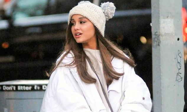 Ariana Grande FaceTimes With Her Estranged Father on Christmas