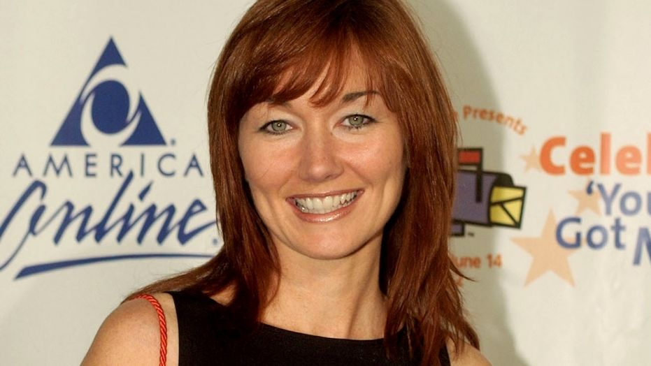 Country singer Lari White dead at 52 after short cancer battle