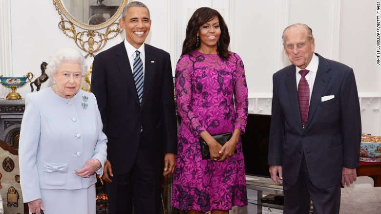 Michelle Obama says Queen told her that royal protocol is rubbish