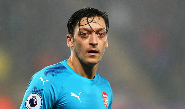 Mesut Ozil: Real reason Arsenal star has agreed new contract revealed by reporter