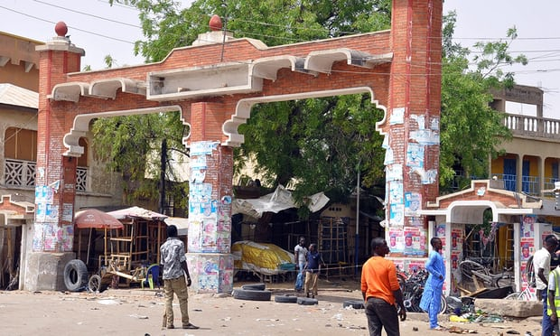 Nigeria: three suicide bombers kill at least 20 people at market