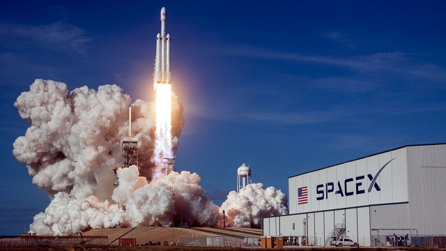 China and Europe love SpaceXs new Falcon Heavy rocket. Does NASA?