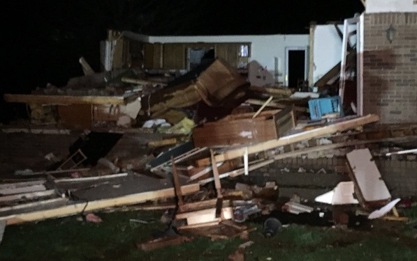 Storms kill four people in Kentucky, Arkansas