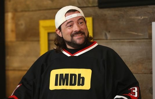 Kevin Smith suffers massive heart attack, tweets 'For now, I'm still above ground!'