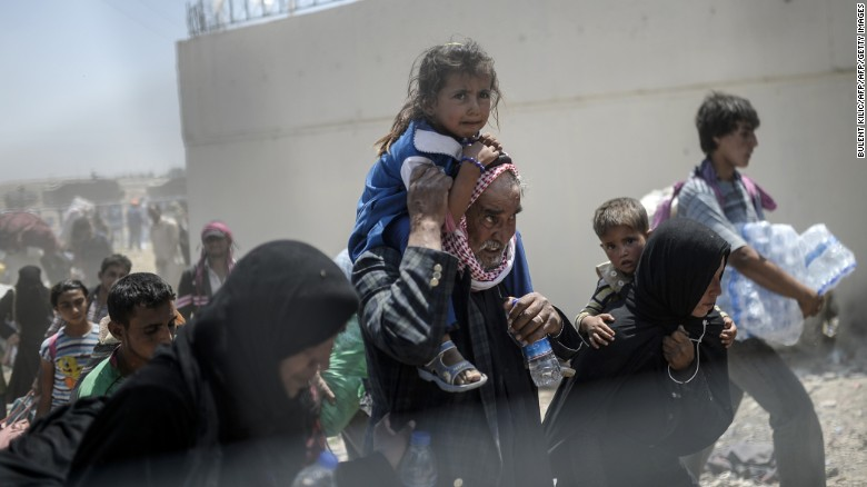 Turkish border guards are shooting at Syrian refugees, rights group says