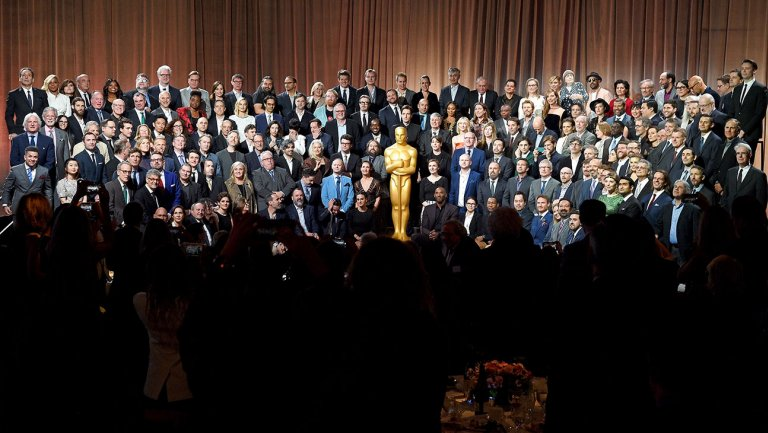 Oscars: 100-Plus Nominees Gather for Lunch and Class Photo