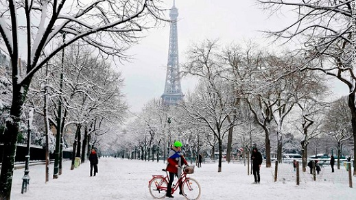 Eiffel Tower closed as heavy snowfall blankets Paris