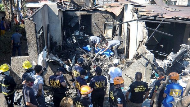 10 dead after small plane crashes into house in the Philippines