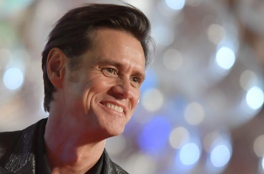 Jim Carrey criticized for portrait believed to be Sarah Huckabee Sanders