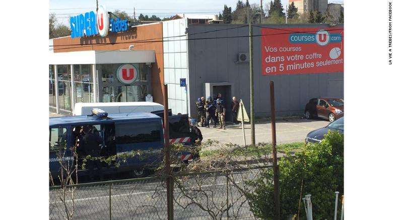 One killed in French supermarket hostage-taking