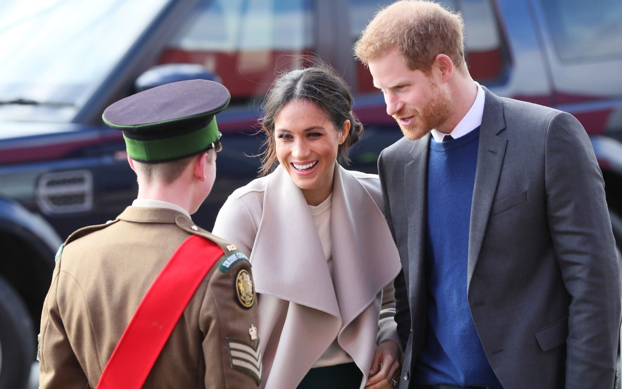 Prince Harry and Meghan Markle in Northern Ireland: Couples rapturous welcome on unannounced visit