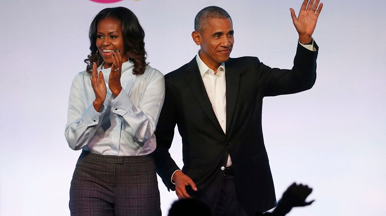 Barack and Michelle Obama in talks with Netflix to produce series