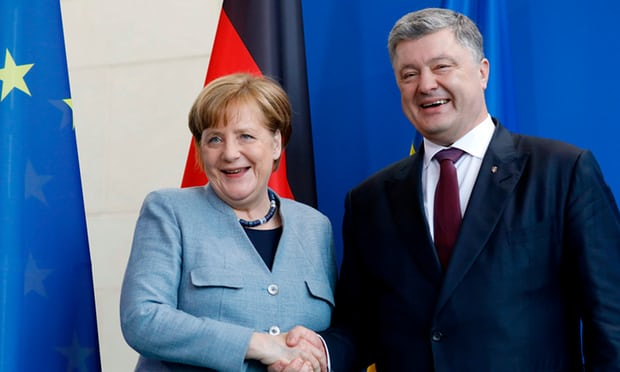 Merkel tells Putin not to exclude Ukraine from gas pipeline route