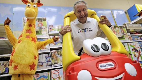 Toy mogul Isaac Larian ditches GoFundMe campaign and bids $890 million for Toys R Us stores