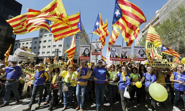 Catalan protesters call for return of jailed or exiled leaders
