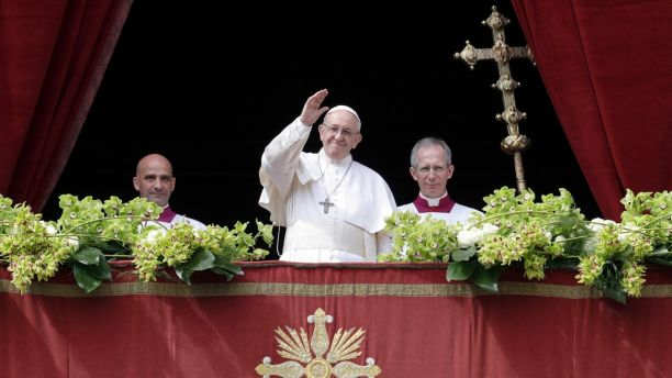 Pope celebrates Easter Mass in St. Peters Square before tens of thousands