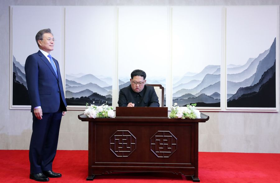 Kim Jong Un and Moon Jae-in declare new chapter in Korean relations at high-stakes summit