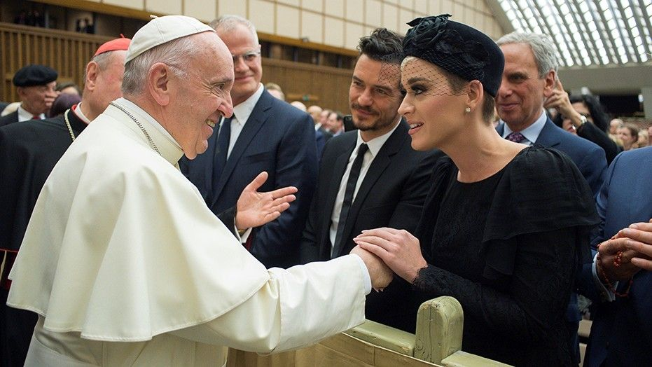 Katy Perry and Orlando Bloom meet the Pope, step out together in Rome
