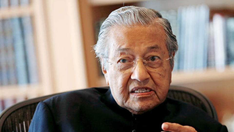 Malaysias former leader set to become worlds oldest PM at 92
