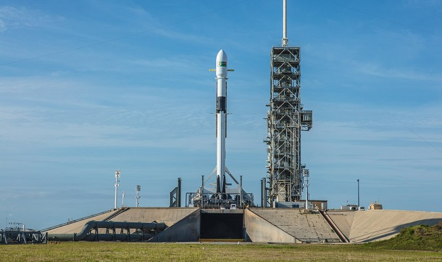 SpaceX Aborts 1st Launch of Upgraded Falcon 9 Rocket at the Last Minute