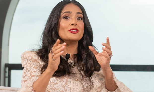 Salma Hayek: male Hollywood stars should take pay cut