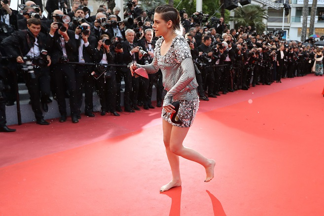 Kristen Stewart goes barefoot on Cannes Film Festival red carpet, rebels against heel rule
