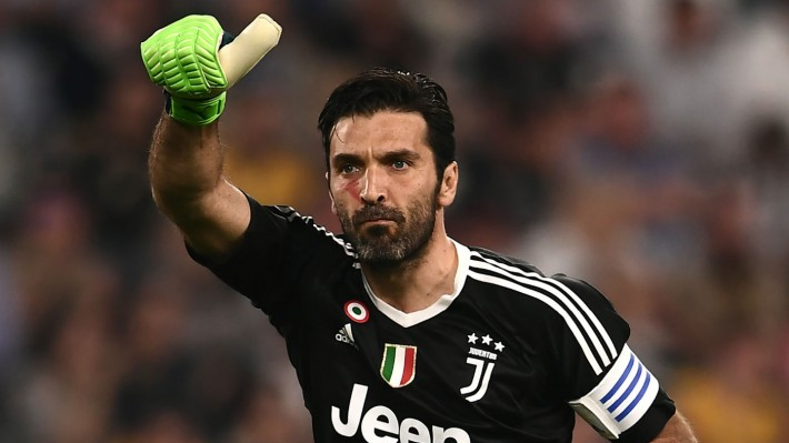 Premier League transfer news: Gianluigi Buffon, Willian, Robert Lewandowski