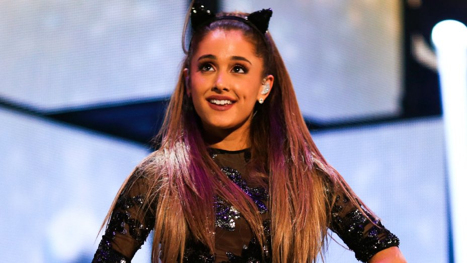 Ariana Grande to Open the Billboard Music Awards